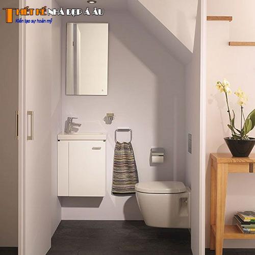 Nhà vệ sinh dưới cầu thang đẹp