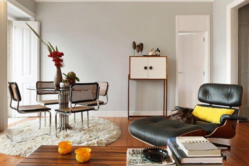 Tổng thể phòng khách nội thất bàn ghế tủ tường màu sắc kết hợp thành bức tranh nghệ thuật