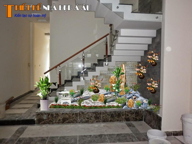 trang trí tiểu cảnh dưới gầm cầu thang