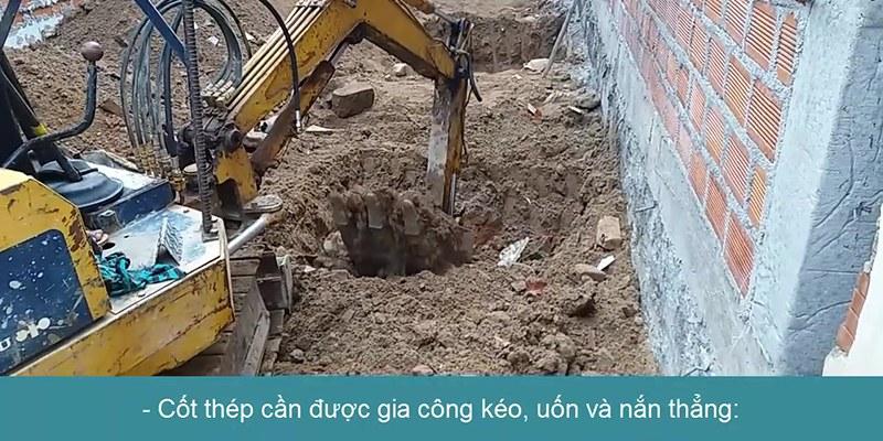đào hố cho công đoạn chuẩn bị đổ cột