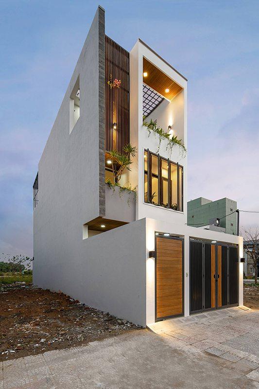 Ngôi nhà phố 3 tầng mái thái đẹp lung linh