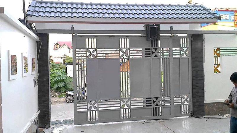 cửa sắt ray trượt