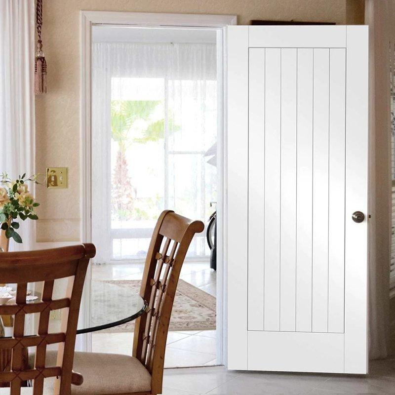 Phòng ngủ an toàn khi sử dụng cửa gỗ
