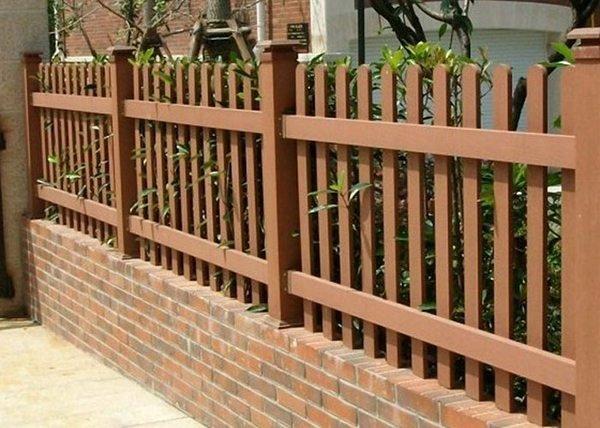 Tường rào gỗ tự nhiên