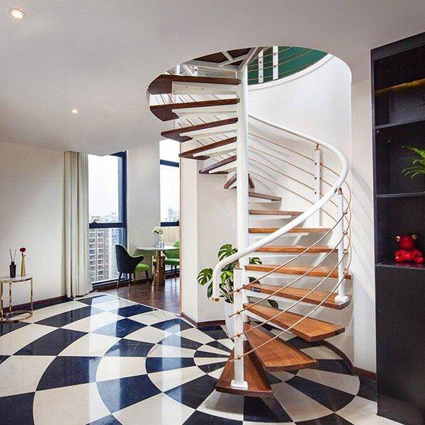 Cầu thang gỗ kết hợp nhựa